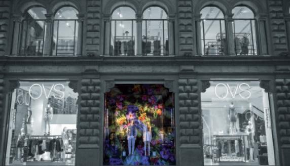 Lo store di OVS in via Dante, a Milano