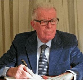 Franco Giacomazzi è stato a lungo docente di Marketing al Politecnico di Milano