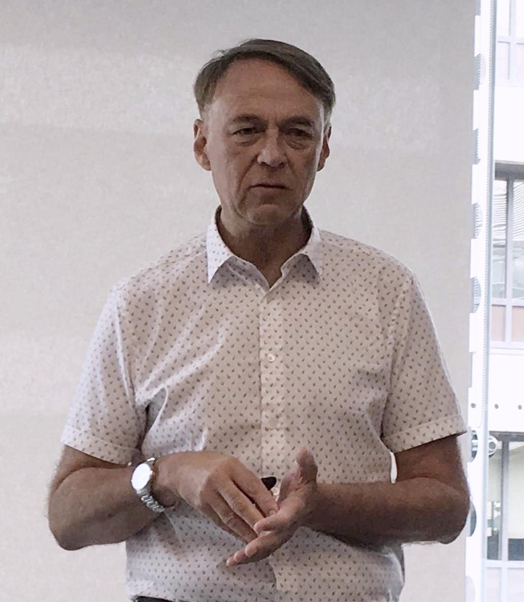 Mervyn Dinnen, analista specializzato in recruiting