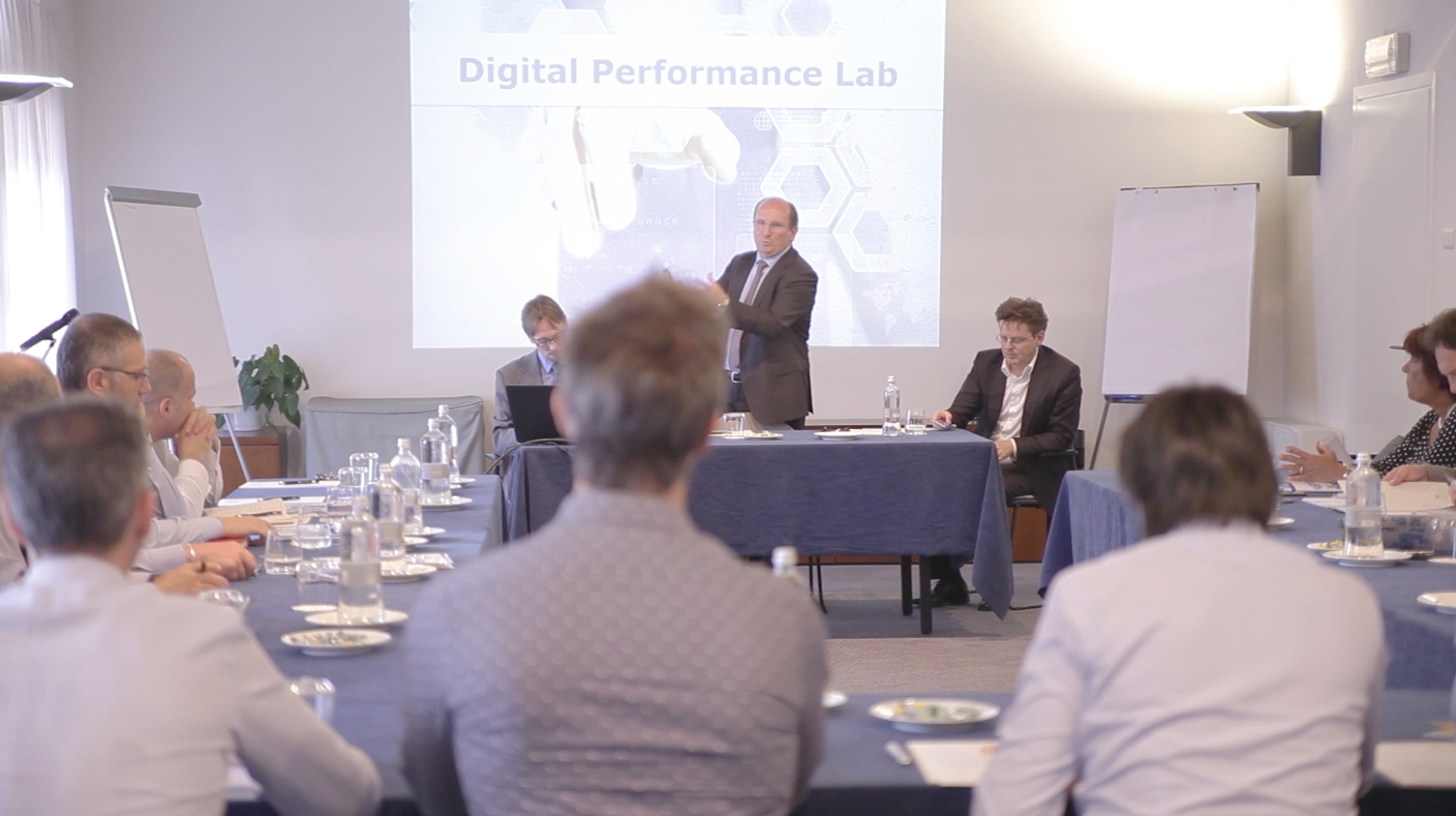 Giuseppe Pacotto, CEO di TESISQUARE, apre l'evento Digital Performance Lab