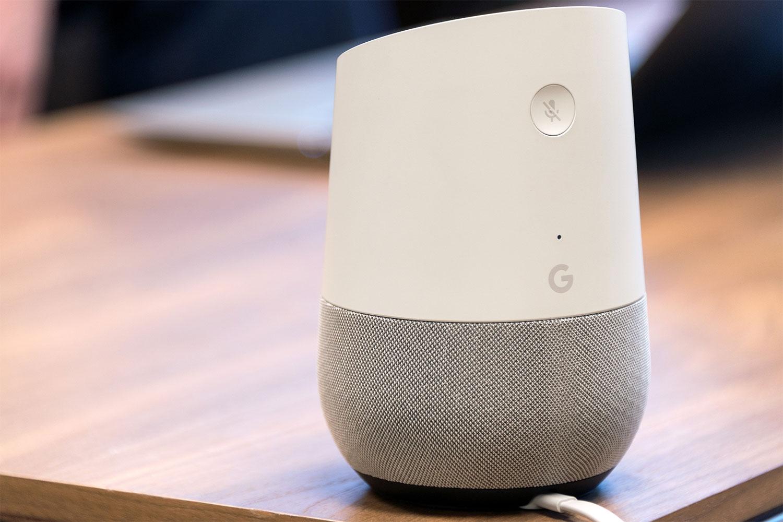 Google Home, disponibile per ora in inglese, francese e tedesco