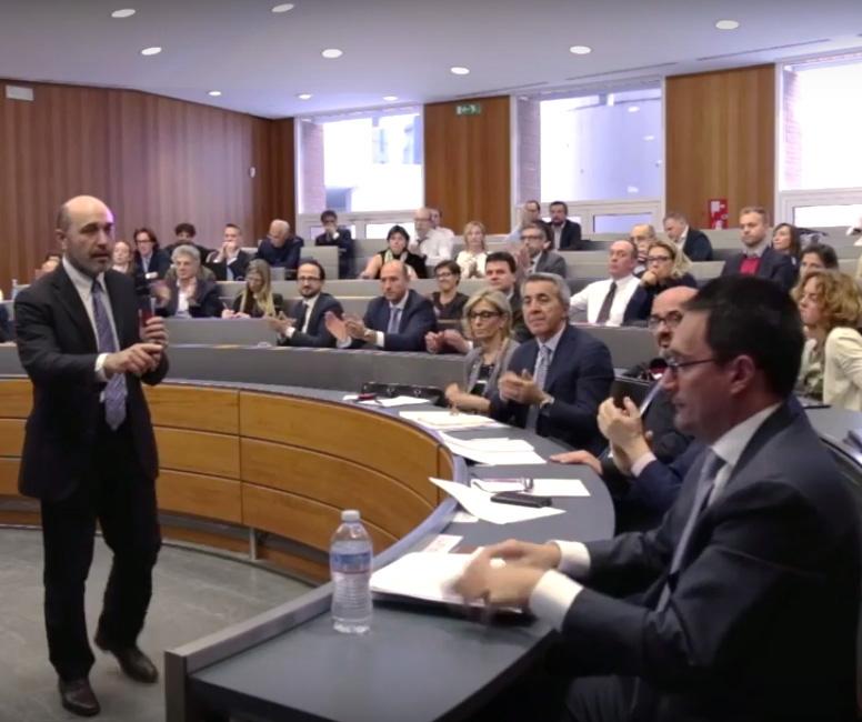 Un momento dell'intervento di Andrea Dossi di SDA Bocconi