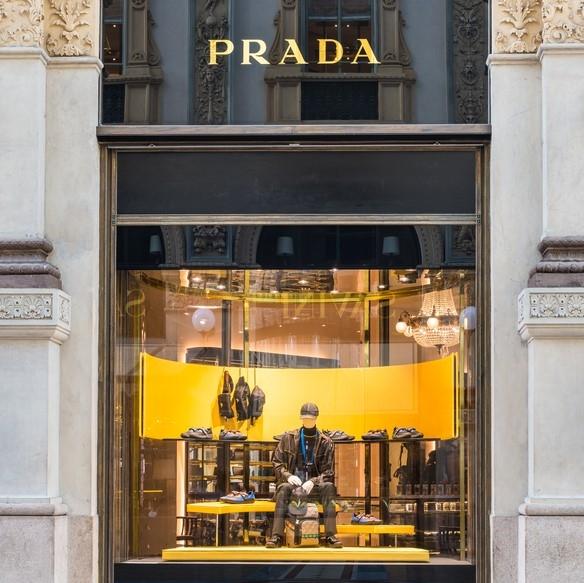 """low priced 3e91f 9c54e Prada Group Wi-Fi, una """"porta digitale"""" per una customer ..."""