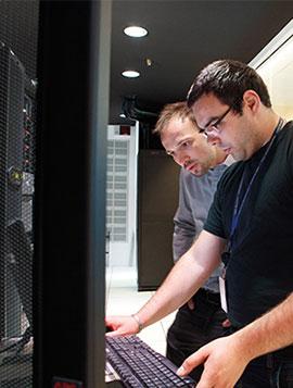Strategie di condizionamento per armadi di rete e sale server